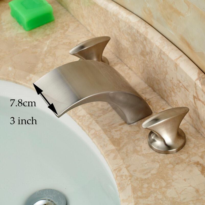 Купить Роскошные 3 Изменение Цвета СВЕТОДИОДНЫЕ Водопад Носик Ванной Бассейна Раковина Смеситель Воды Кран Двойной Ручкой Матовый Никель Отделка