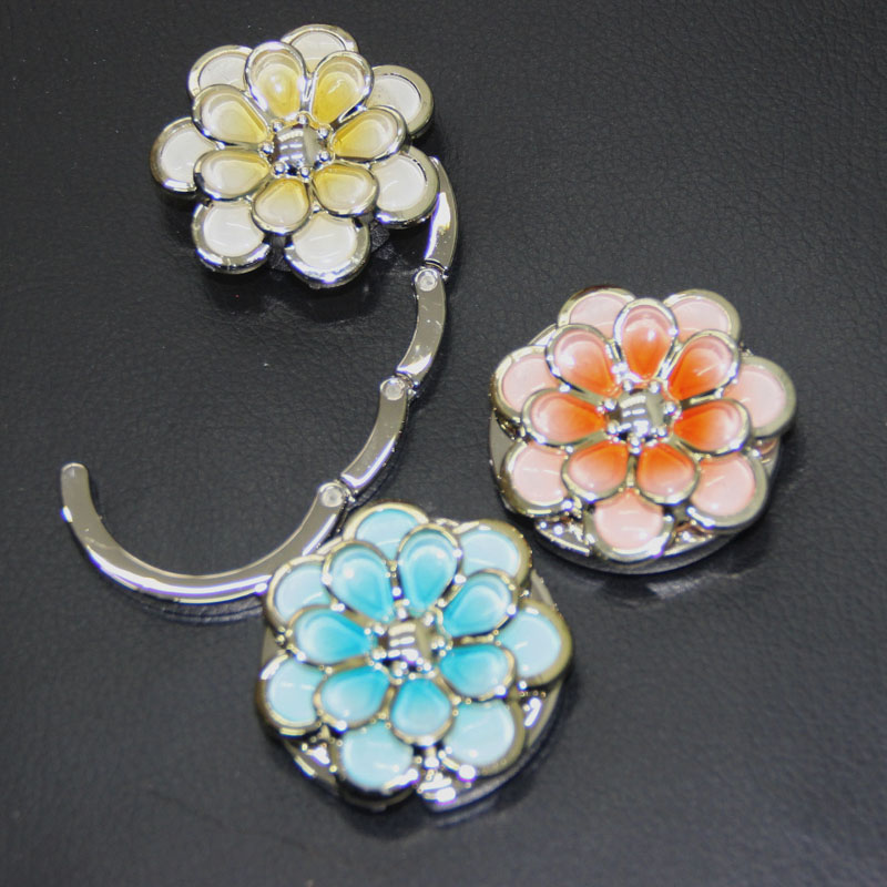 Free Shipping Metal Foldable Bag Purse Hook Bag Hanger/Purse Hook/Handbag Holder Shell Bag Folding Table Multicolor Flower(China (Mainland))