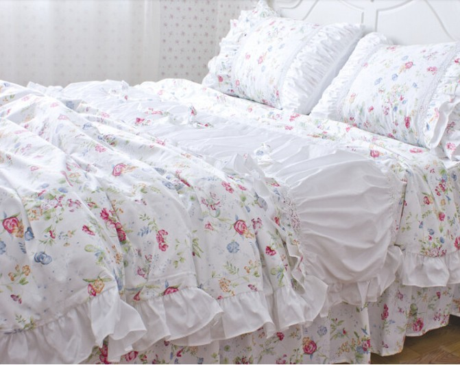 Elegant white ruffle bedding set sweet korean floral duvet for Elegant white comforter sets