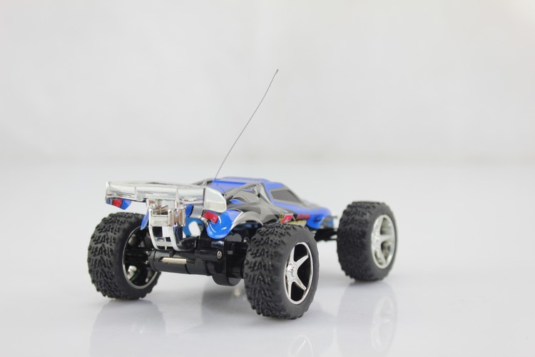 Free shipping! Best quality WL 2019 High speed Rc Truck ( 20-30km/hour) Super car Remote Controll Car / unique toys FSWB(China (Mainland))