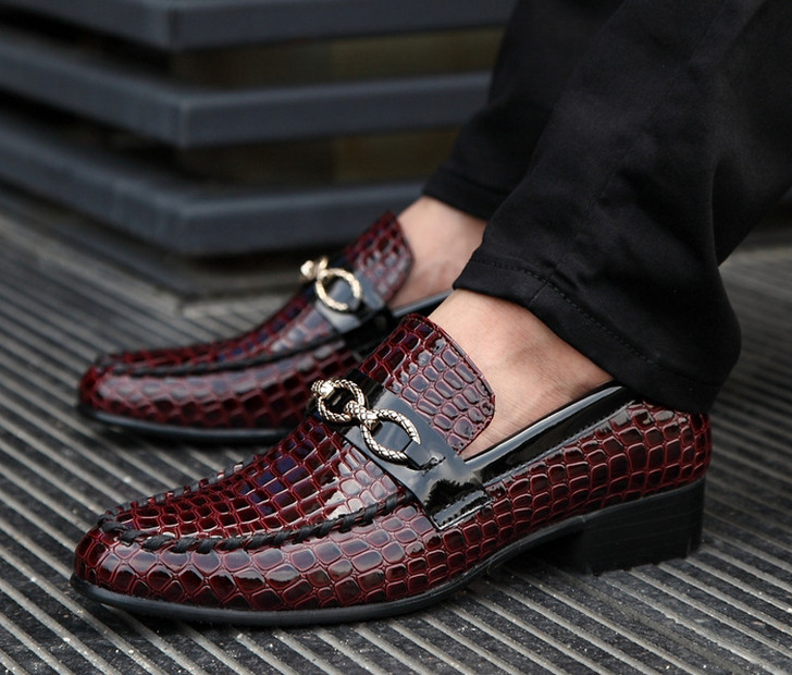 Гаджет  Brand new crocodile style patent leather men oxford shoes casual business shoes fashion men shoes men