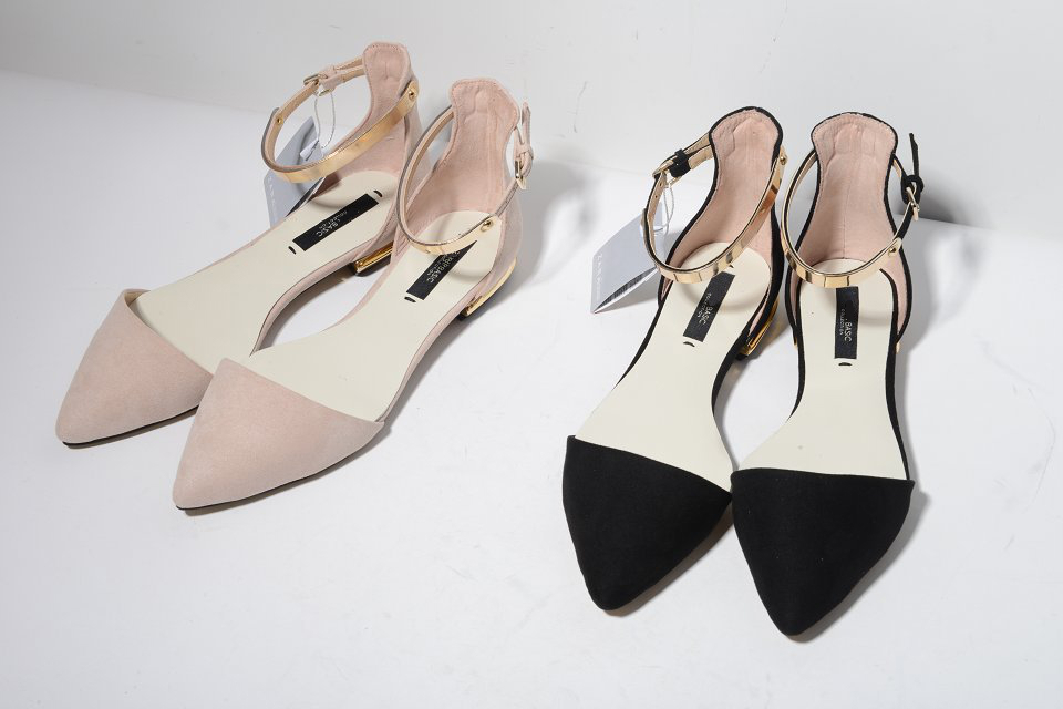2014 SS New pointed toes fashion woman sandals Nude Pink Black gold metallic chips flats low heeled sexy chic stylish <br><br>Aliexpress