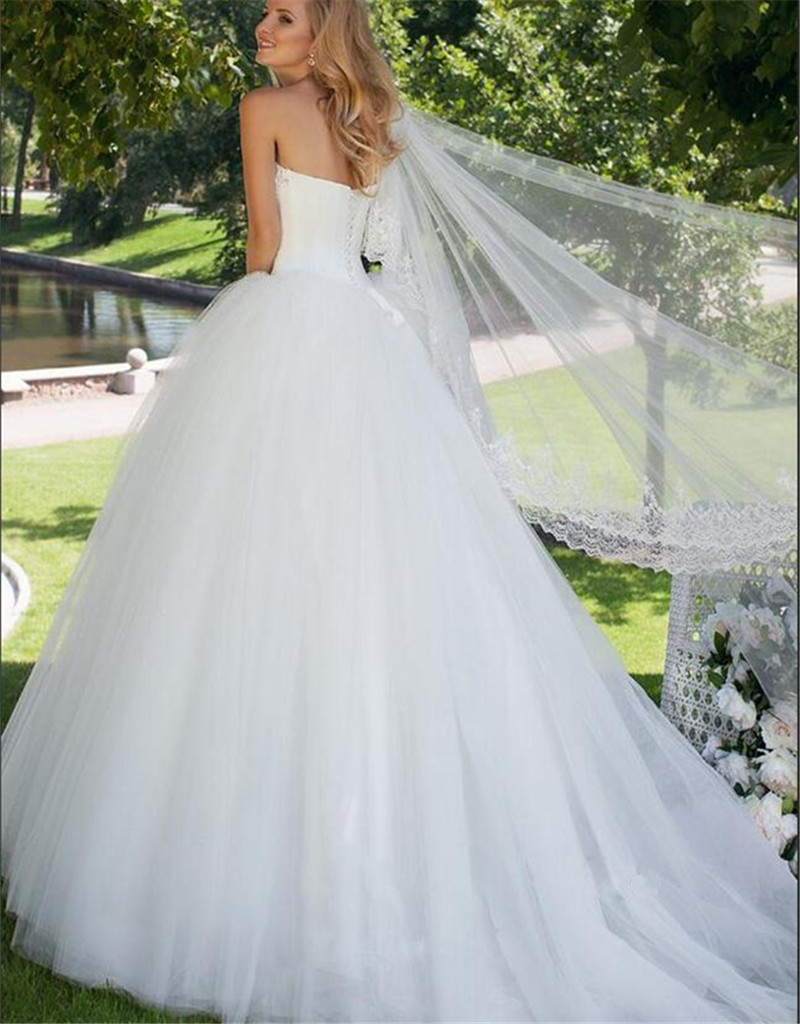Мода Милая Шеи С Плеча Суд Поезд Свадебное Платье с Бисером Sexy Спинки Узелок Line Тюль Свадебные платье