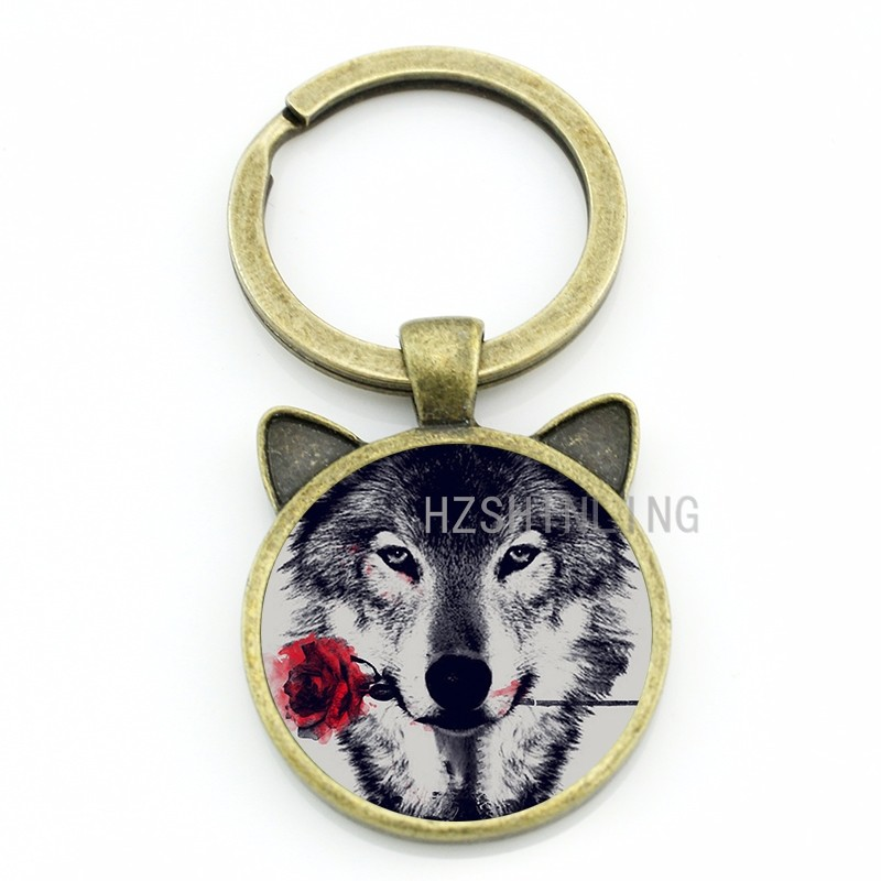 Vintage Black Wolf With Flower Rose Keychain Snarl Snow Wolf Keyring