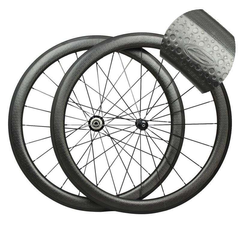 hot sale 700c dimple surface carbon wheelset light weight dimple carbon wheels 50mm carbon clincher road bike wheels(China (Mainland))