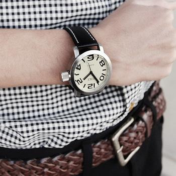 Hot sale !! coarse stitch round digital fashion man quartz watch Free shipping