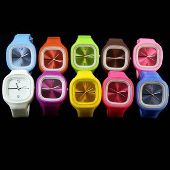 Hot Sales Colorful Silicone Square Dial Wrist Watch Indicate Time Quartz Dial