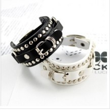 Free shipping $10 accessories basic rivets buckle bracelet(China (Mainland))