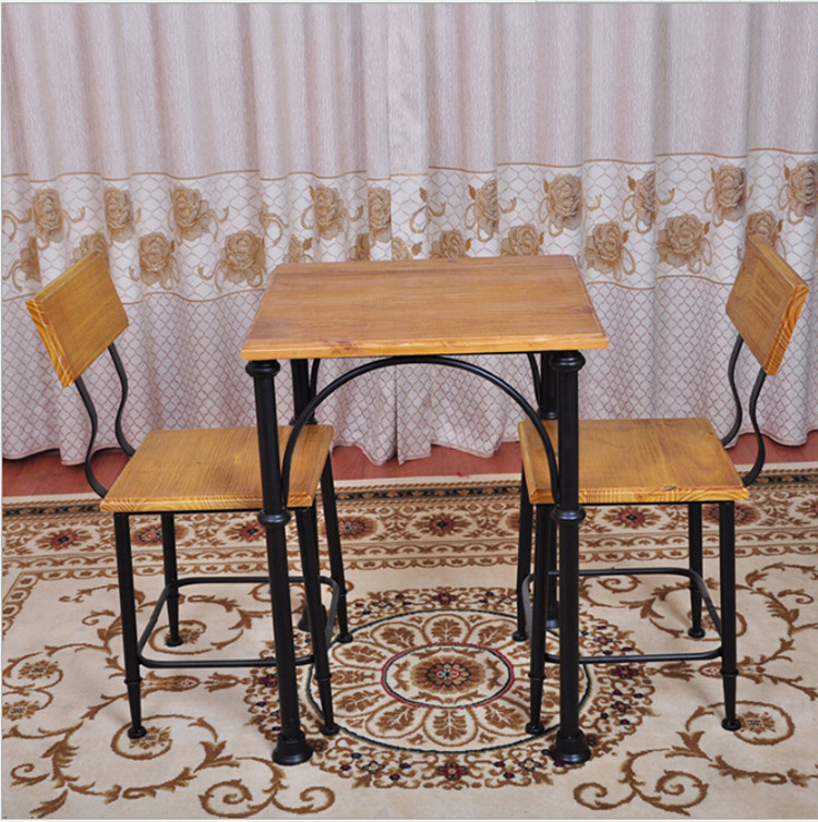 Wrought iron pub table and chairs american vintage for Wrought iron cafe chairs