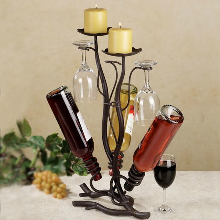 Игрушки и стаканов бутылок