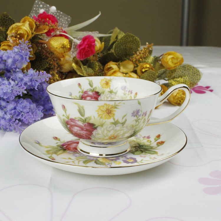 Free shipping, 2013 fashion bone china coffee cup and saucer d'Angleterre red tea set 24k set 2 cups&2 dishes/lot(China (Mainland))