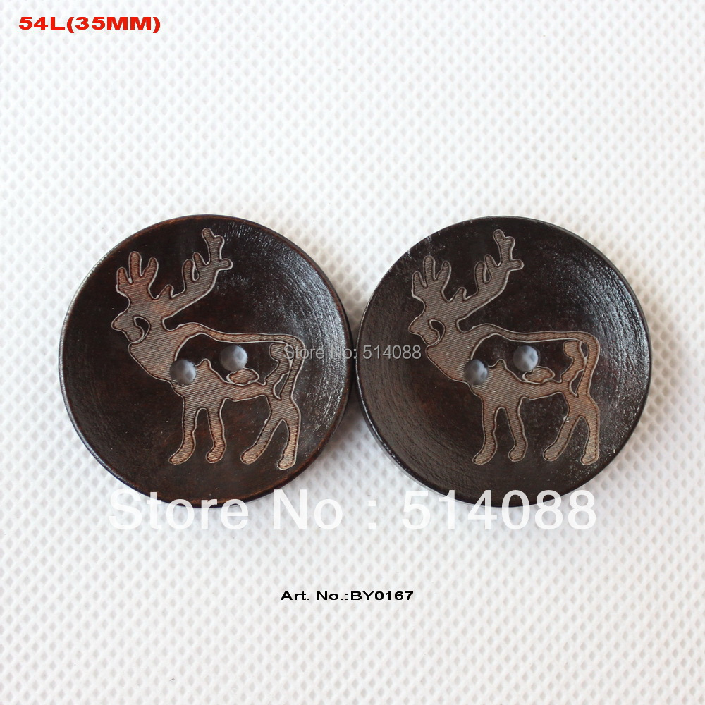 (50pcs/lot) Large wooden buttons supplies Christmas reindeer engraving sewing button crafts hat decor -BY0167(China (Mainland))