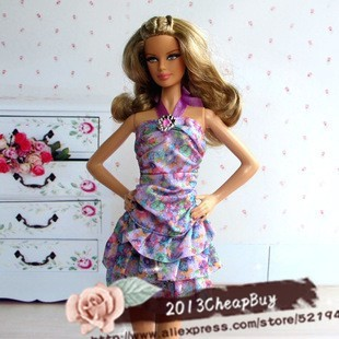 Free Delivery,18 Gadgets/Lot = Garments + Sneakers + Baggage 2014 style garments Robe For Barbie woman
