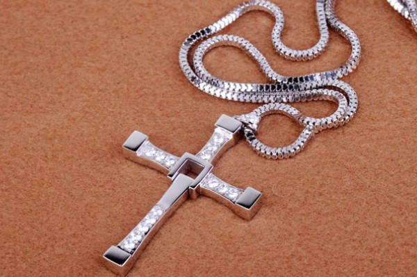 fast and furious 6 style dominic toretto s cross pendant