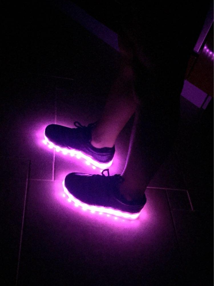 Как сделать обувь светящейся 439