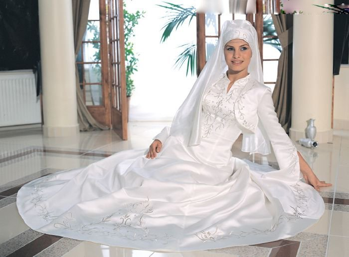 Free Shipping Classical Elegant A Line Satin Muslim Wedding Dress